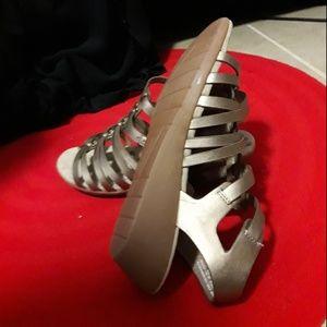 BareTraps Shoes - NWT Baretraps Gold 10W Velcro Strap Wedge Sandals